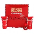 Moschino Cheap And Chic Chic Petals, Toaletná voda 4,9 ml + sprchový gel 25 ml + telové mlieko 25 ml